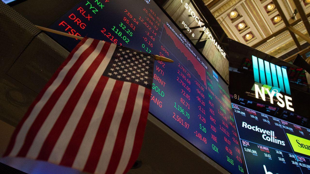 bolsa de valores de estados unidos con bandera