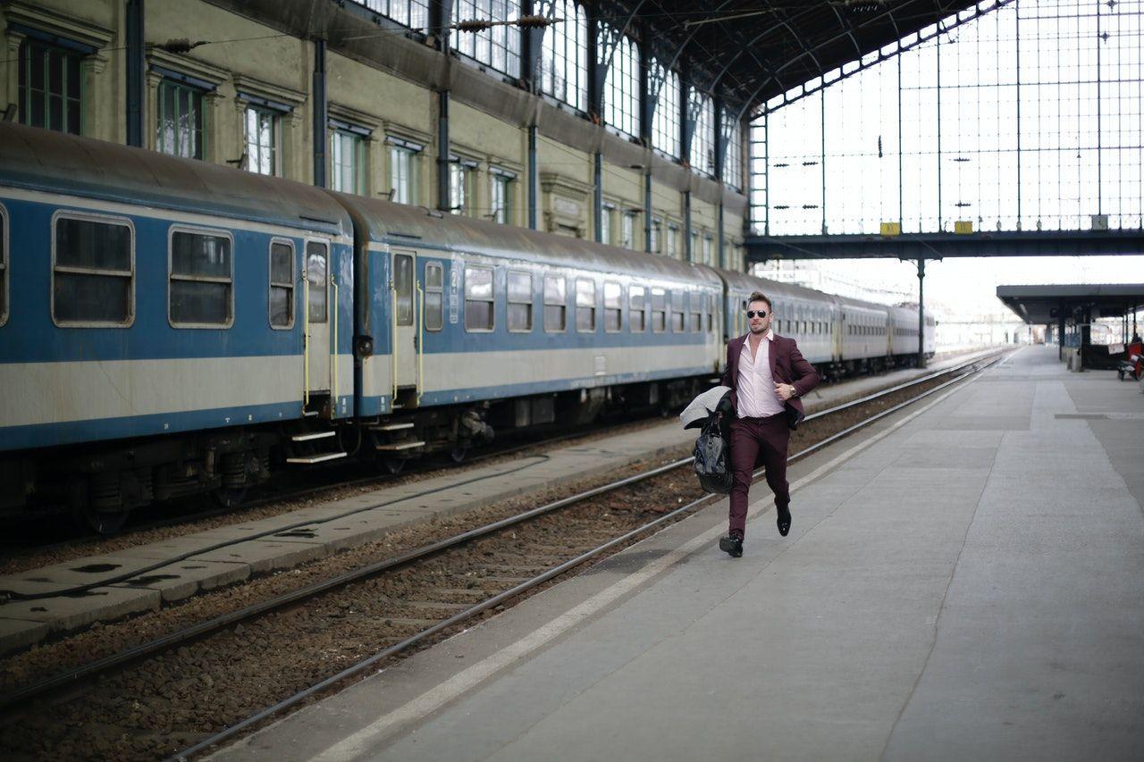 coger tren en marcha