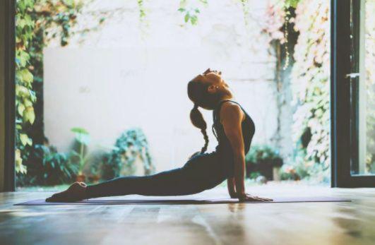 negocio de yoga en casa