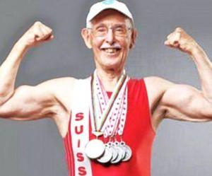 Charles Eugster, anciano culturista a los 93 años de edad.