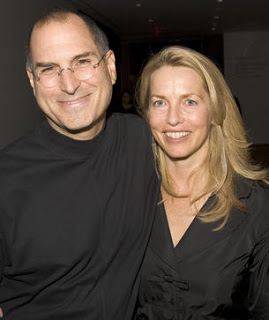 Steve jobs con su mujer