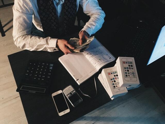 dificultad para conseguir dinero al iniciar un negocio