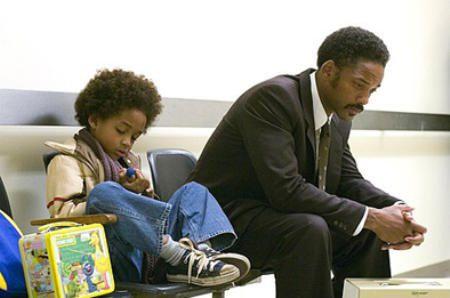 Will Smith con su hijo en busca de la felicidad