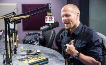 ganar dinero extra con podcast