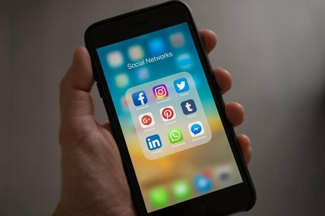 redes sociales smartphone